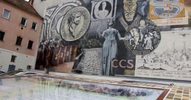 Szombathelyen felújították a VAOSZ-udvari óriásfreskót